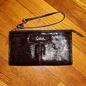 🎈REDUCED Coach Brown Patent Leather Wristlet